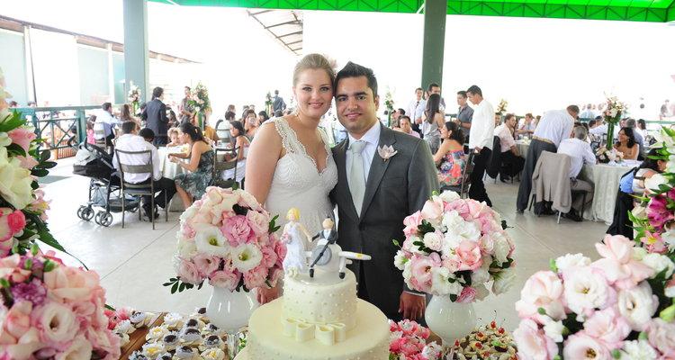 0813a4a40c A mesa de doces do seu casamento - Blog - Helena Neto Cerimonial ...
